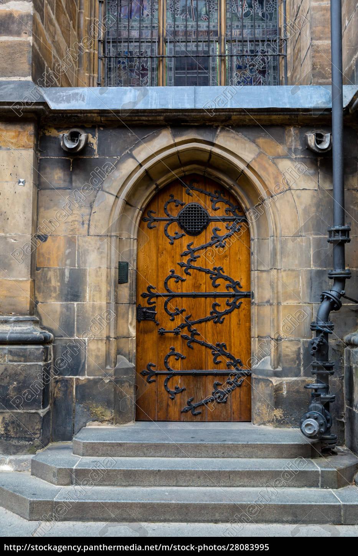 door, in, castle, , ancient, european, town, - 28083995