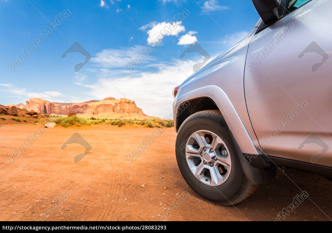 truck, in, desert, with, mountains, on - 28083293