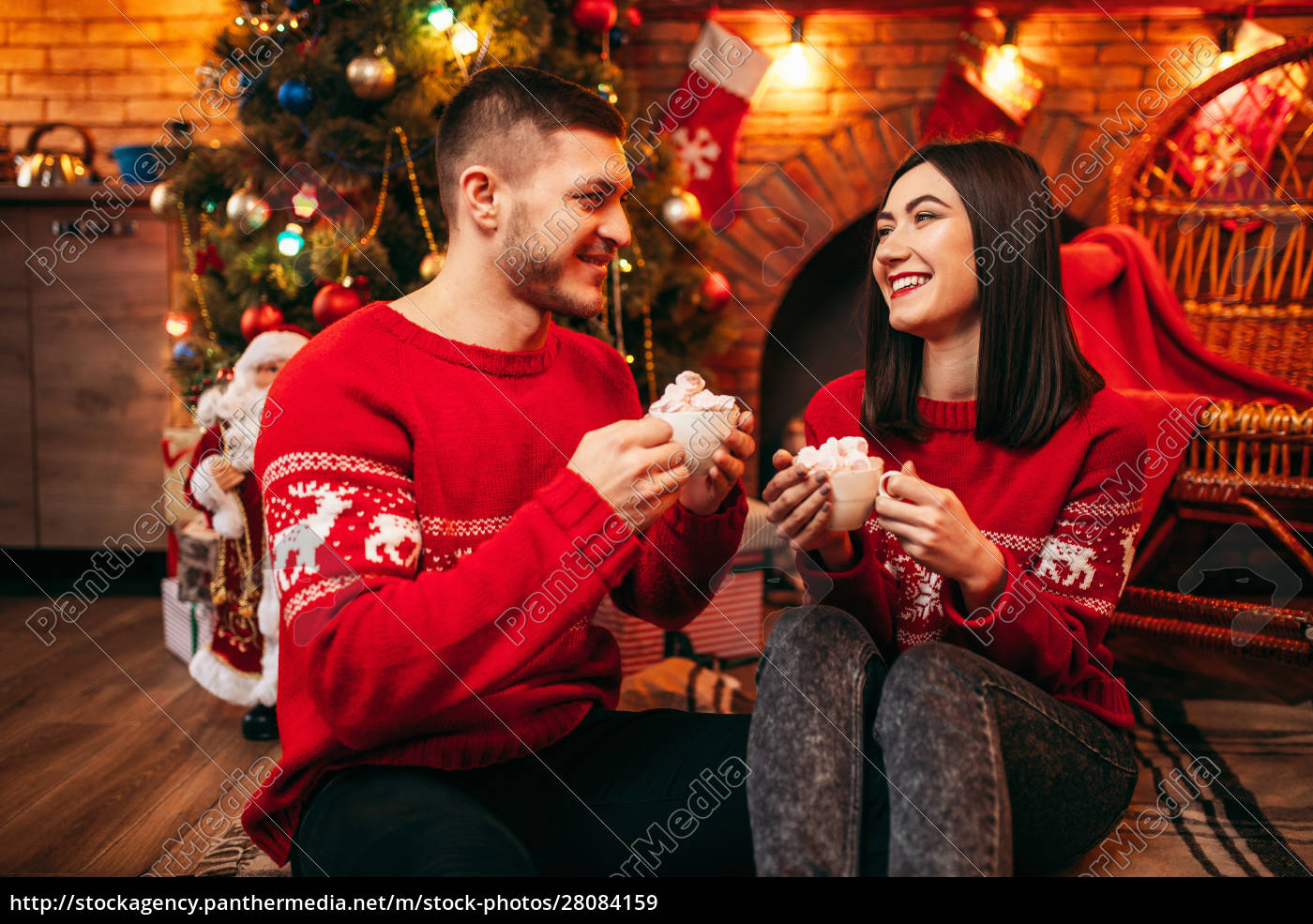 love, couple, , romantic, christmas, celebration - 28084159