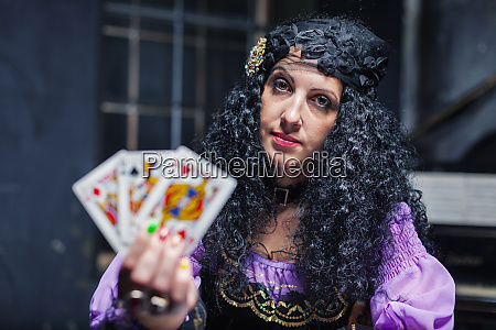 sorceress, while, practising, witchcraft - 28084153