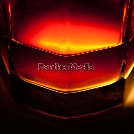 whiskey - 28084122