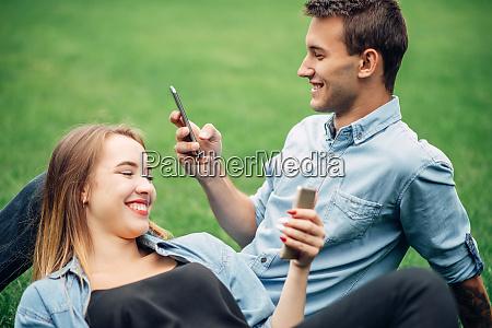 phone addicted people social addict