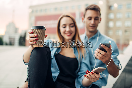 phone addict youth cannot live without