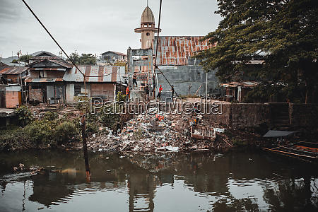 poor houses and local people in