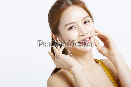 female sportswear earphone