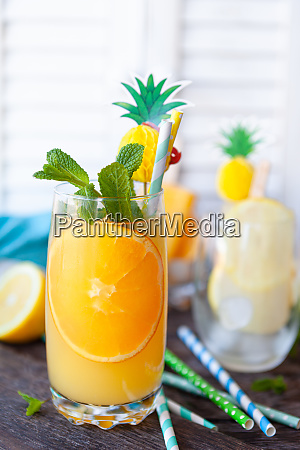 fresh, cocktail, with, orange - 28101106