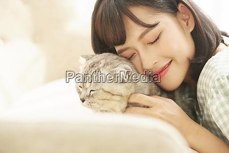 women lifestyle pets