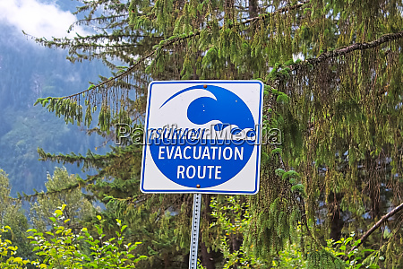 a blue tsunami evacuation route direction