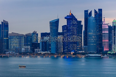 doha at night qatar