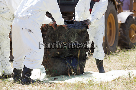 decontamination unit cleaning toxic pollution in