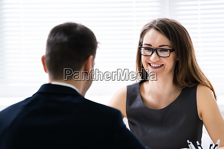 manager interviewing a applicant