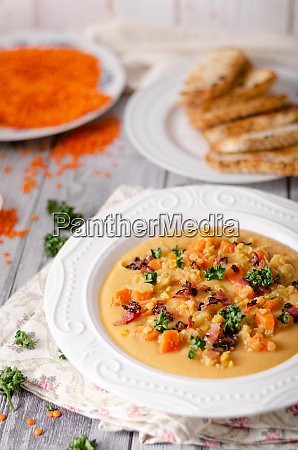 carrot lentils cream with bacon