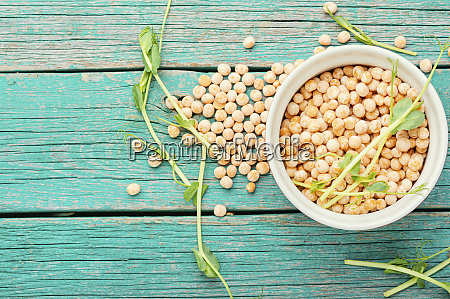 dry pea and pea sprouts