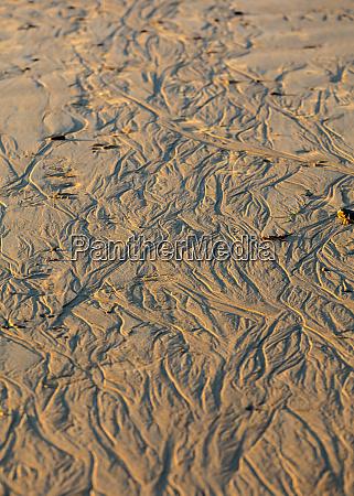 sunset light on sand pattern left
