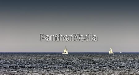 sailing yacht at english channel la