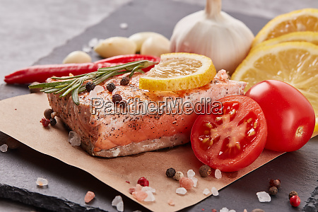 grilled, salmon, with, vegetables - 28174940