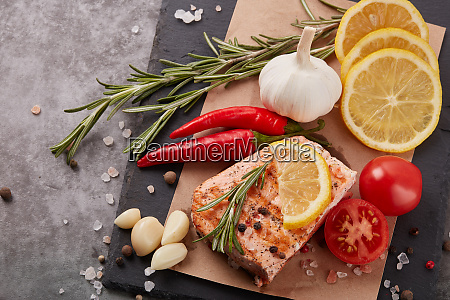 grilled, salmon, with, vegetables - 28174943