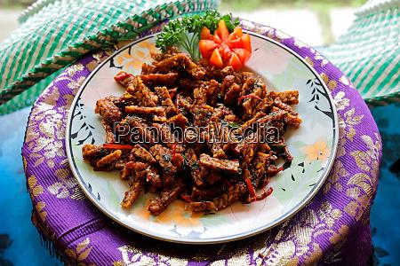 indonesian food balinese tempeh goreng