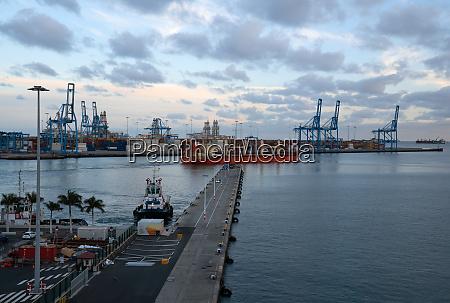 global trade logistics port of las
