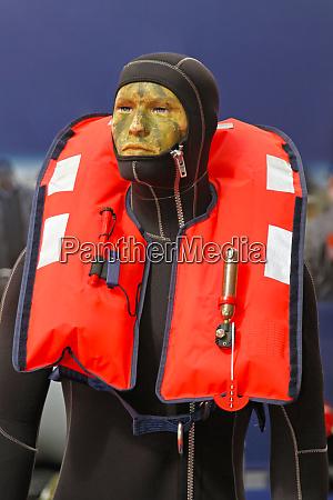 self inflating life jacket
