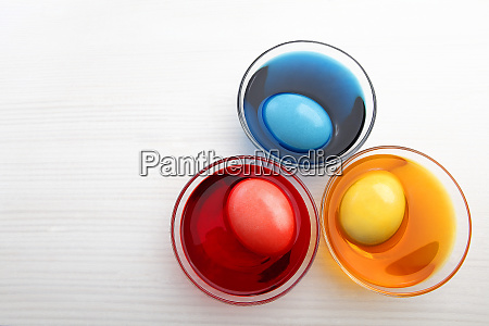coloring three easter eggs