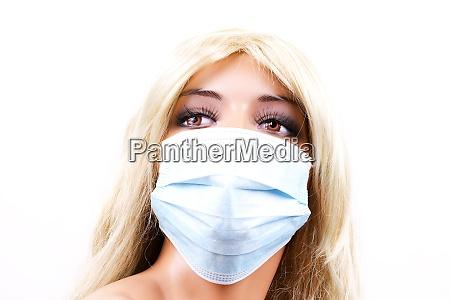 protective mask on a manikin head