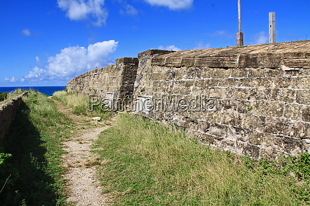 steps to old fort barrington in