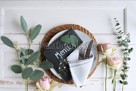 floristry for a wedding place setting