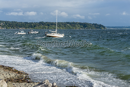 choppy water and boats 2