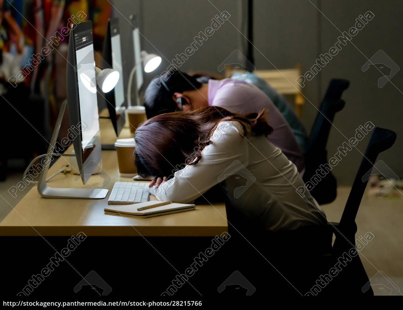 call, center, team, night, working, nap. - 28215766