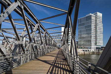 hamburg port bridge cloudless