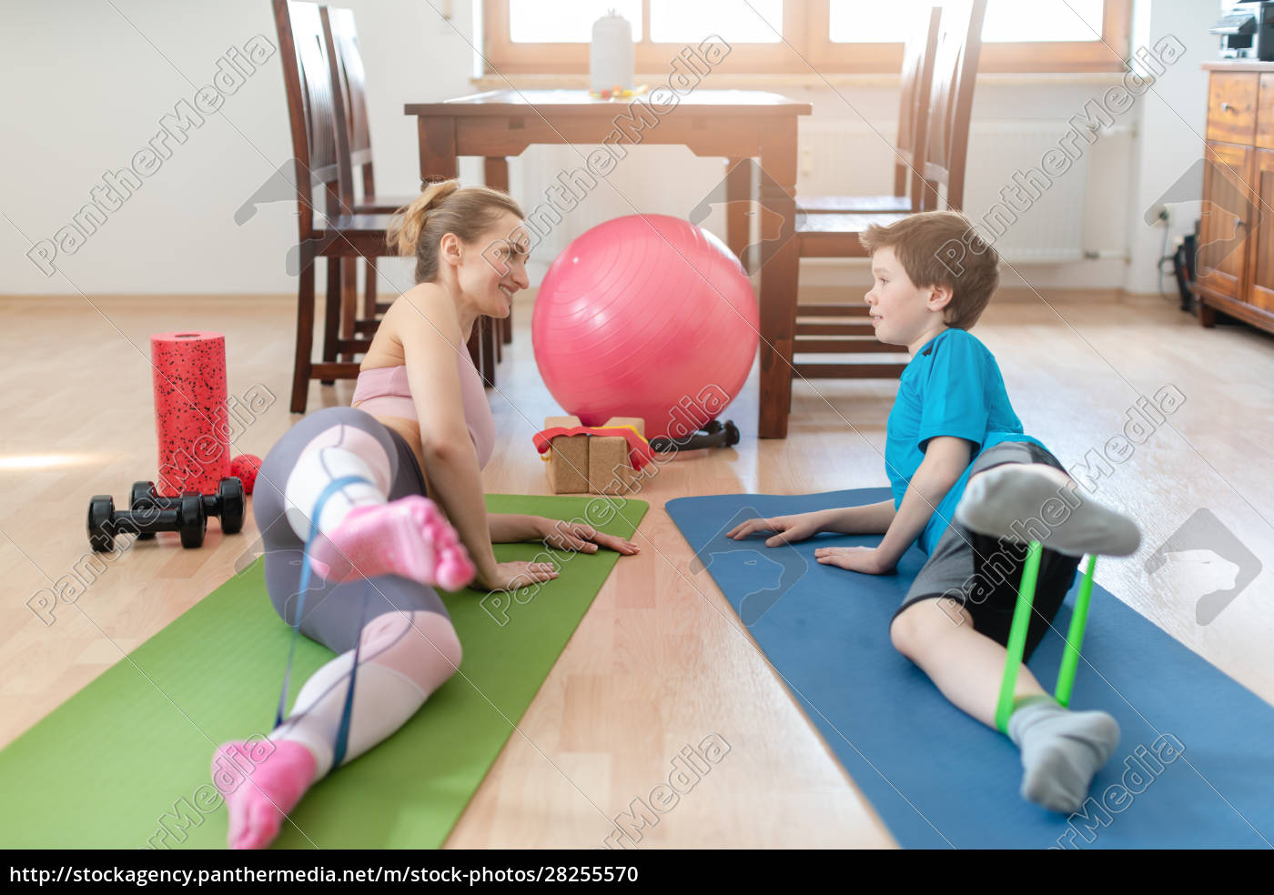 family, doing, sport, exercises, at, home - 28255570