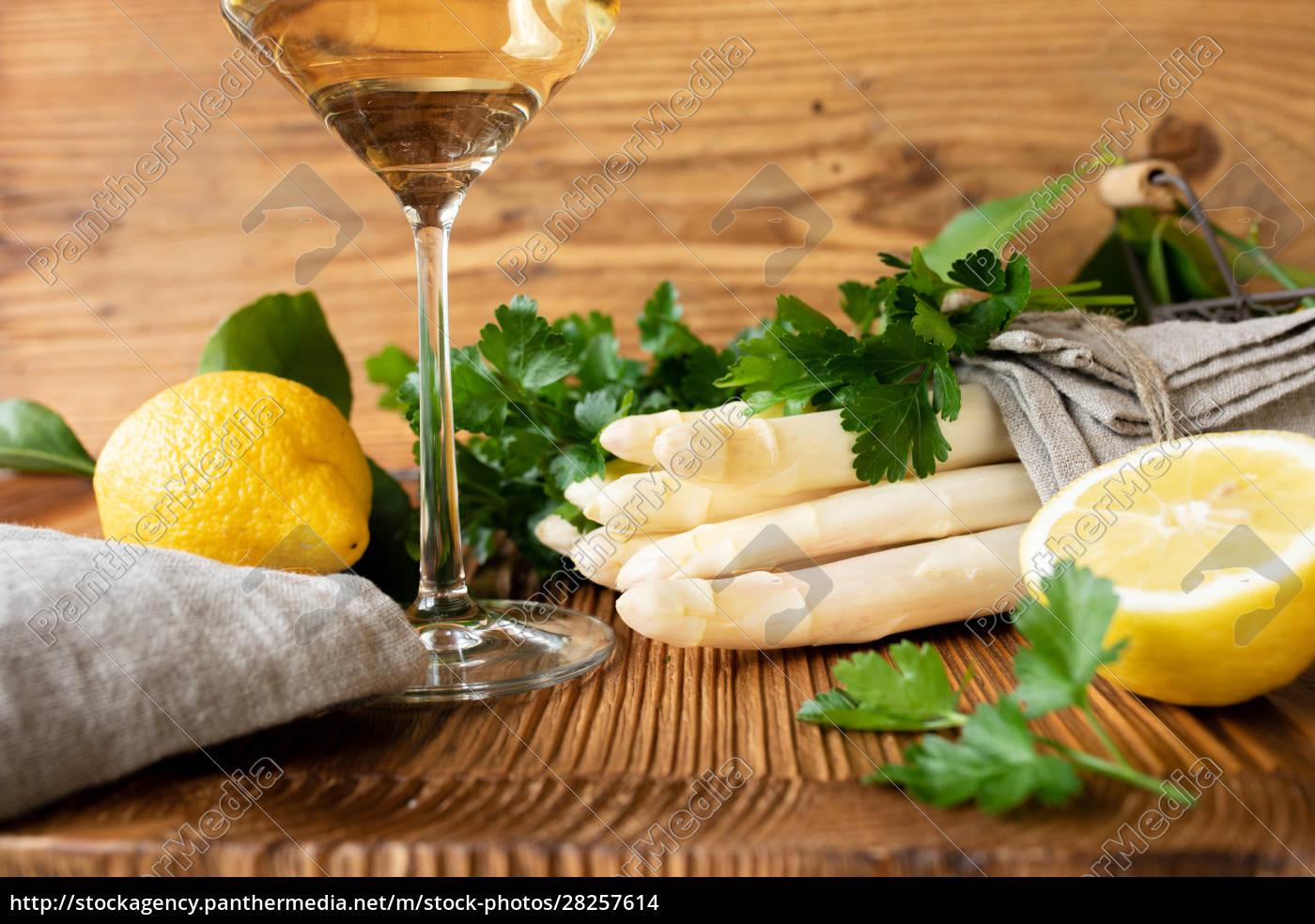 asparagus, spring, vegetables - 28257614