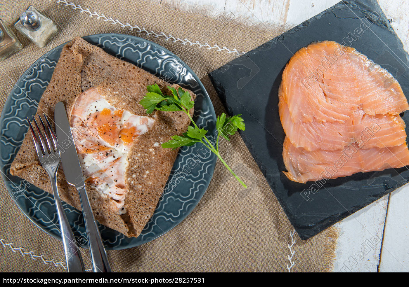 breton, crepe, with, salmon, fillets - 28257531