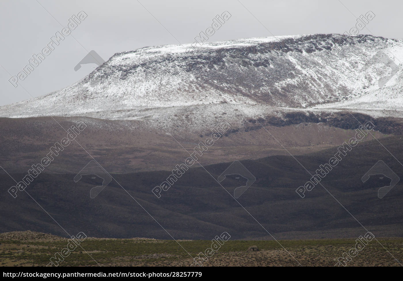 landscape, with, snowy, mountain, in, lauca - 28257779
