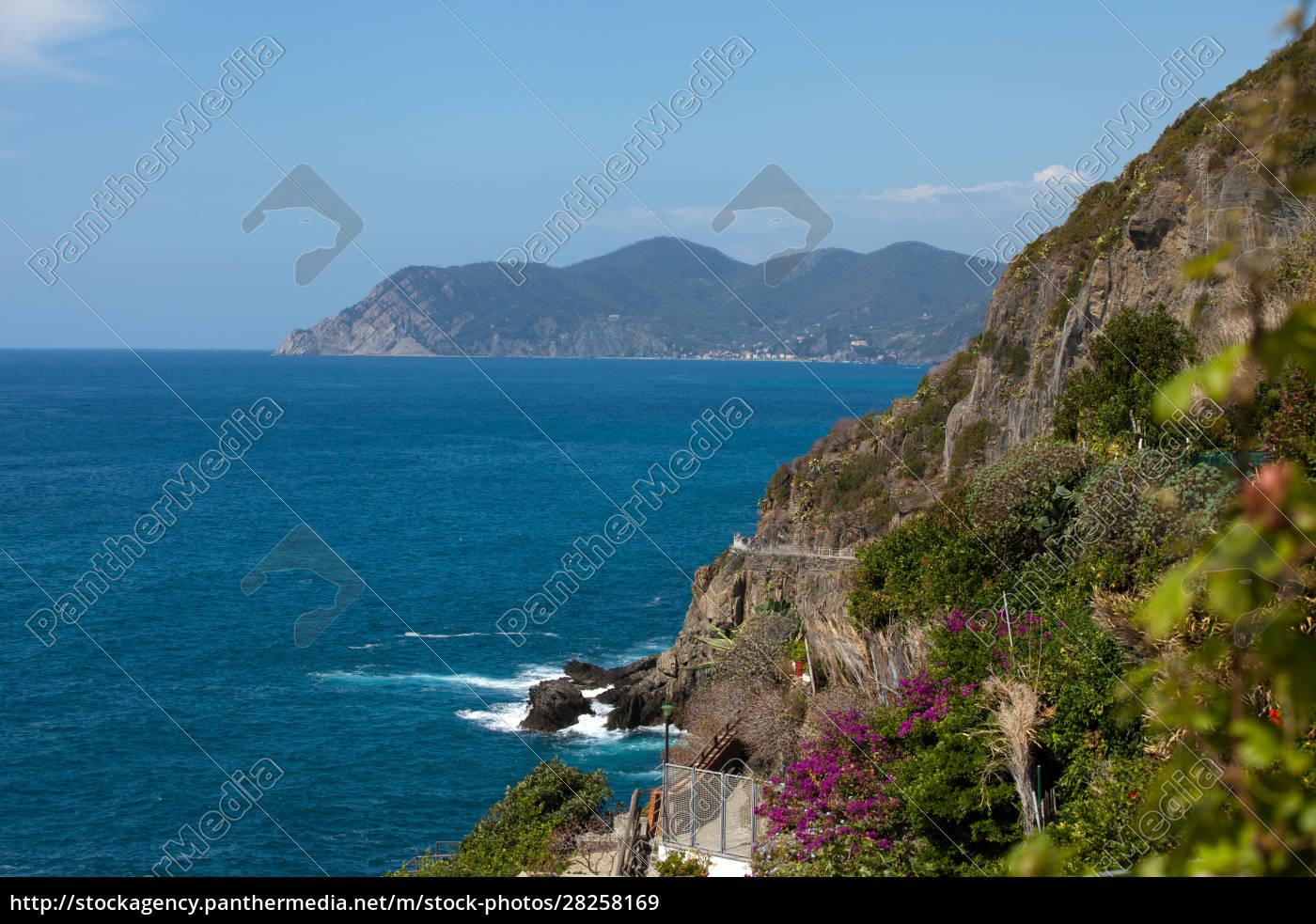 cliffs, in, riomaggiore., , cinque, terre, - 28258169
