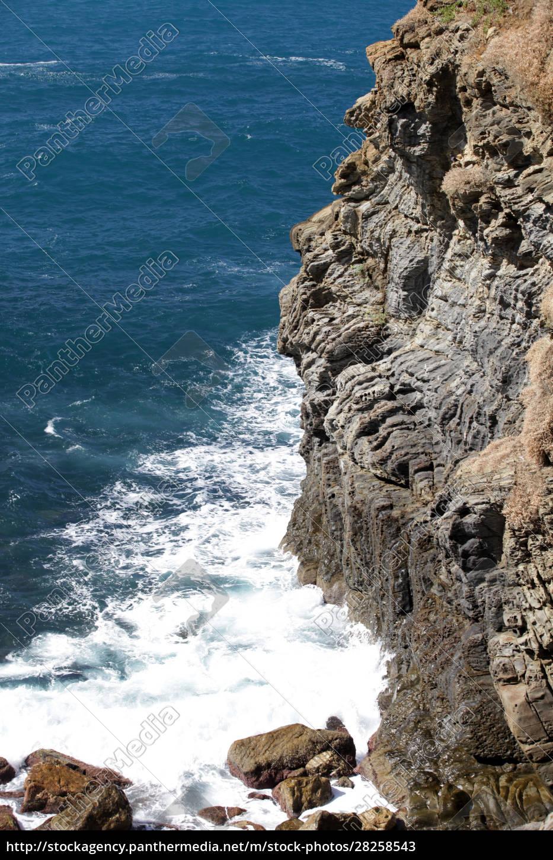 cliffs, in, riomaggiore., , cinque, terre, - 28258543