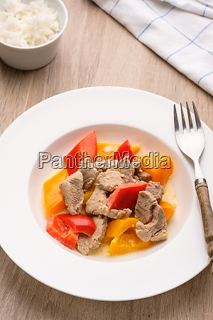 plate, with, portk, curry, with, pepper - 28258574