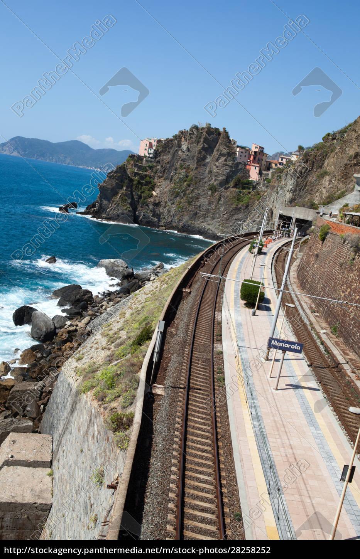 railway, station, of, manarola, in, cinque - 28258252