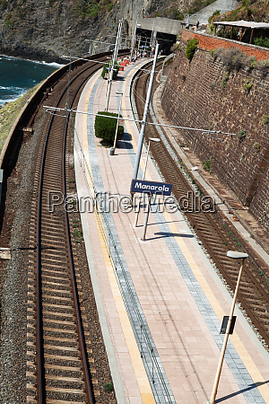 railway, station, of, manarola, in, cinque - 28258254