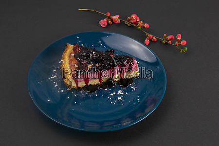 slices, of, blueberry, mousse, cake, with - 28258309