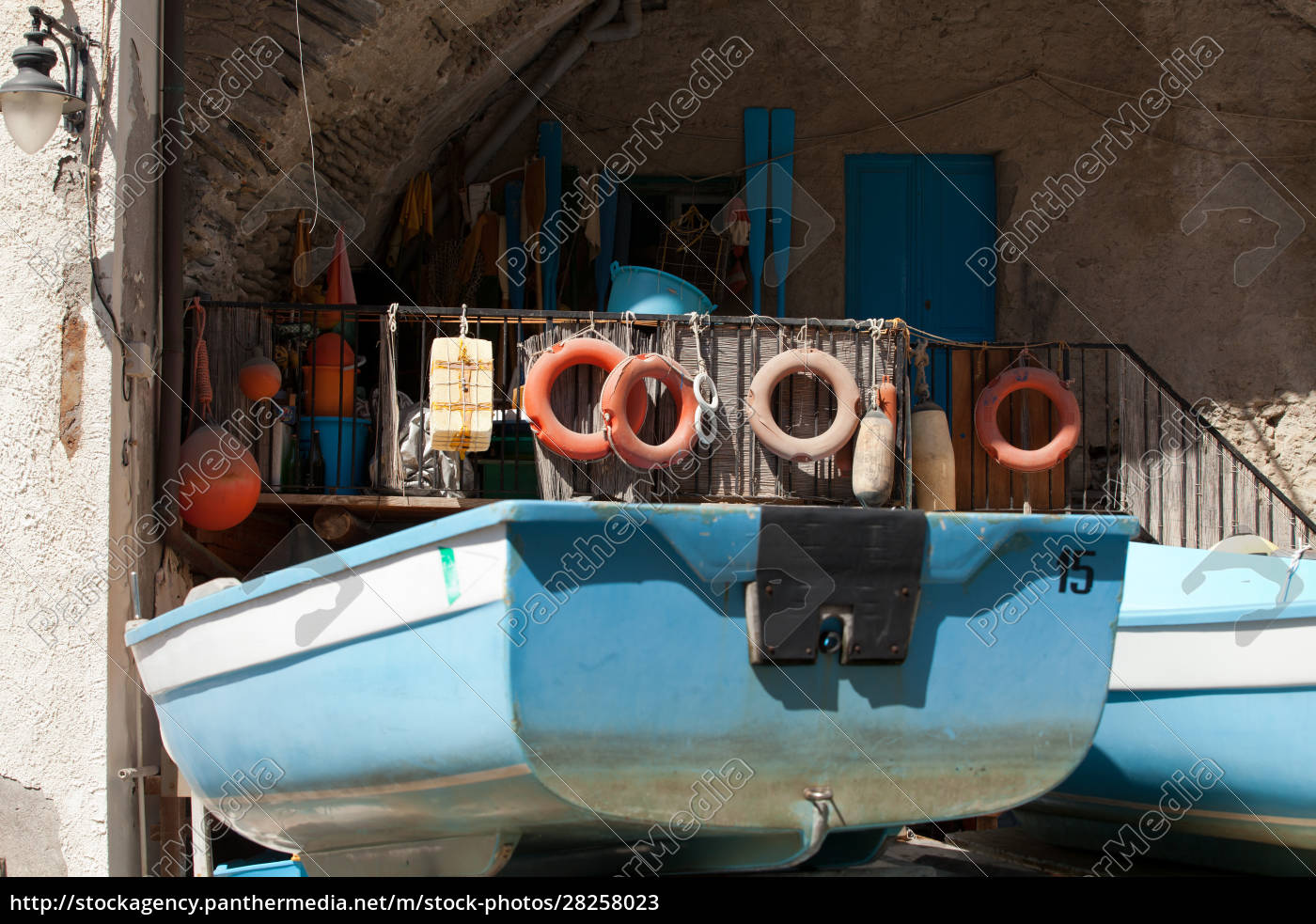 the, fishing, boats, in, cinque, terre - 28258023