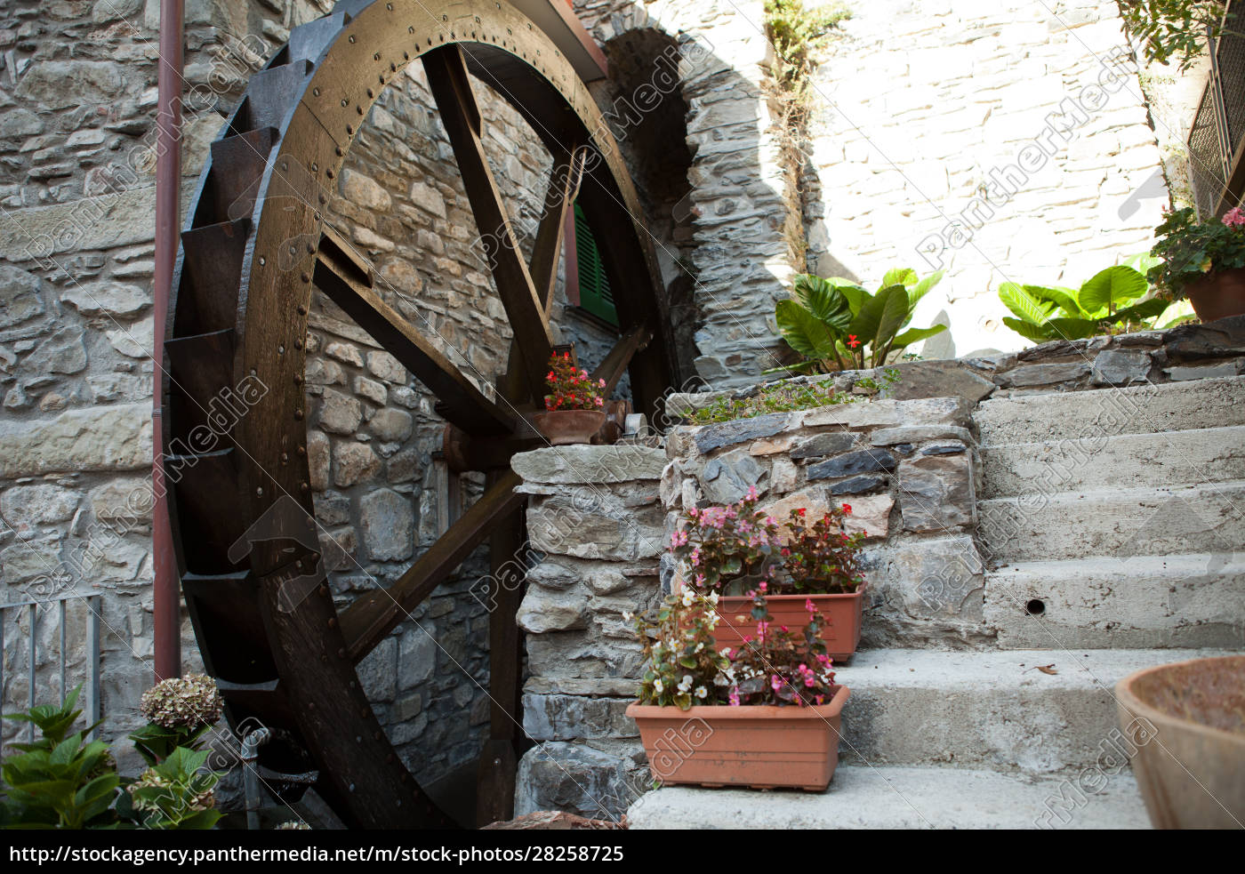 the, old, watermill, in, manarola - 28258725