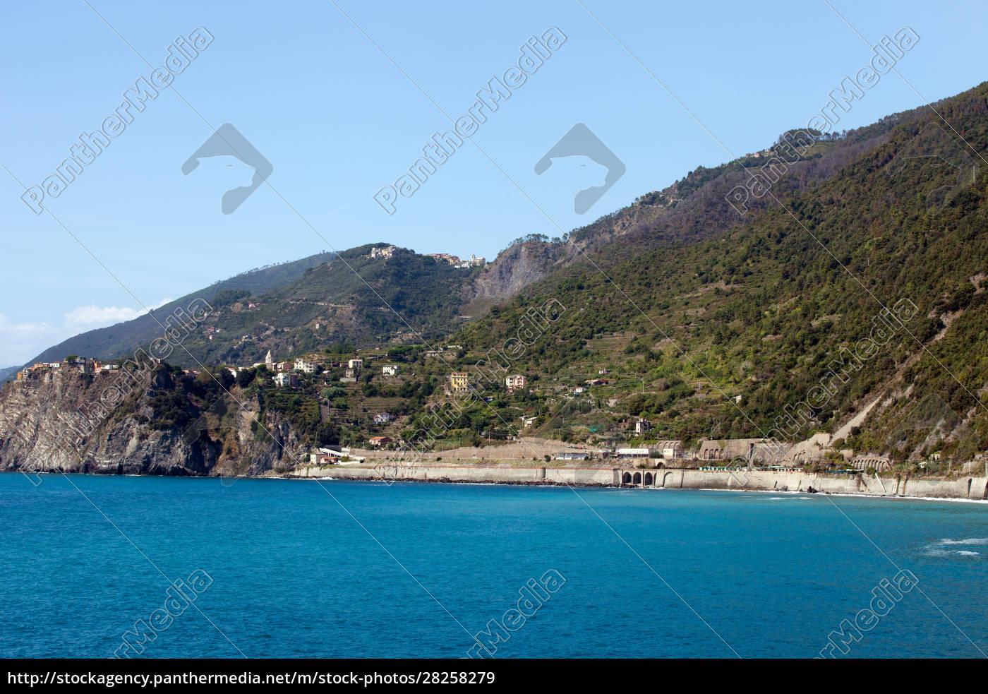 the, picturesque, coastline, of, the, cinque - 28258279