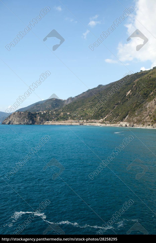 the, picturesque, coastline, of, the, cinque - 28258295