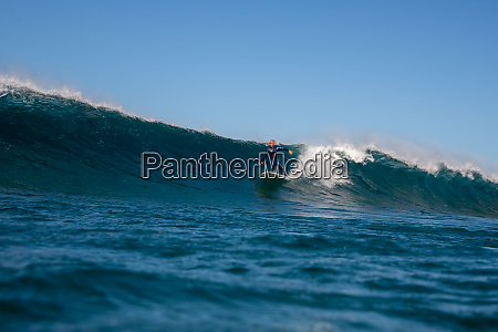surfer, riding, waves, on, the, island - 28259505