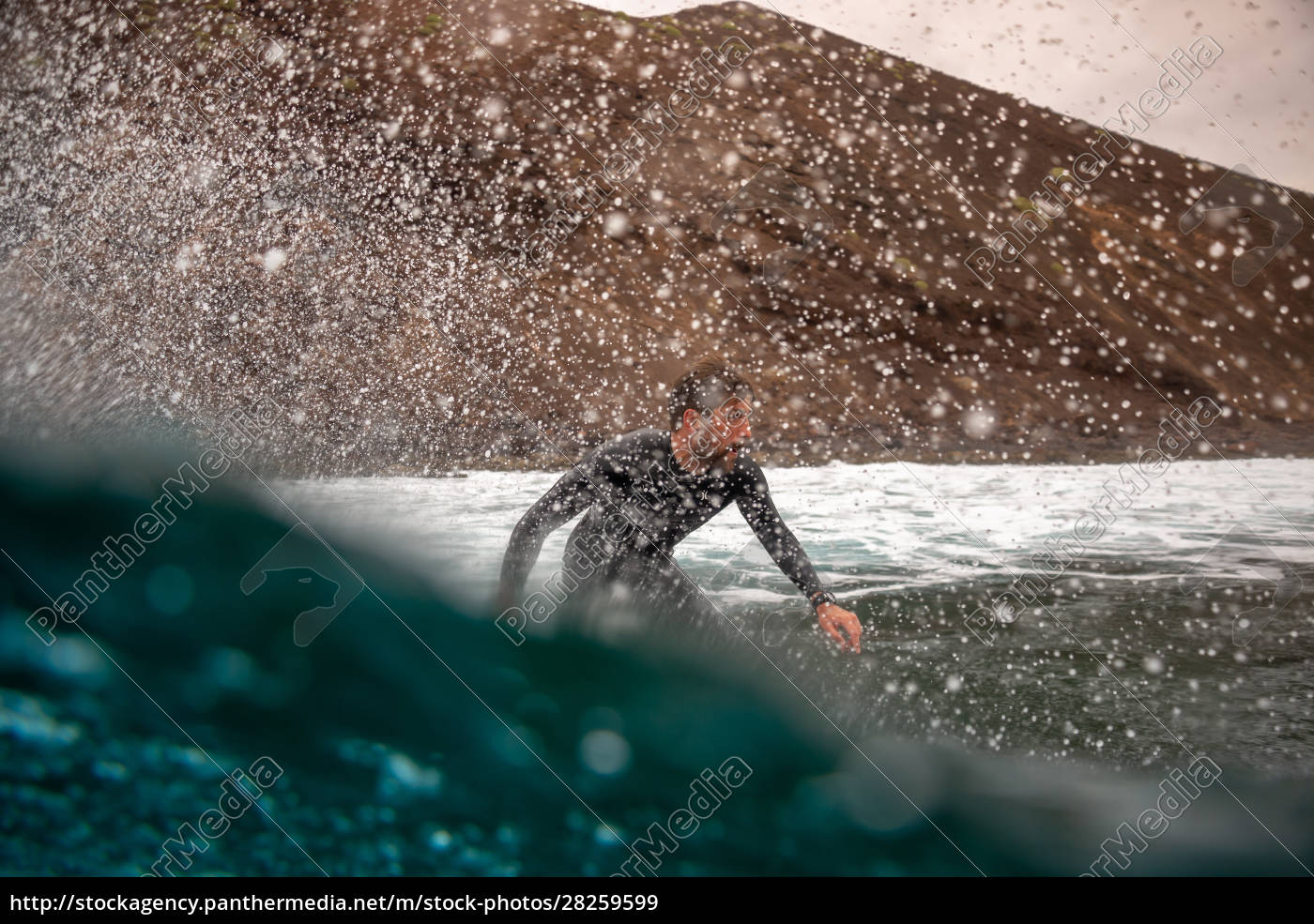 surfer, riding, waves, on, the, island - 28259599