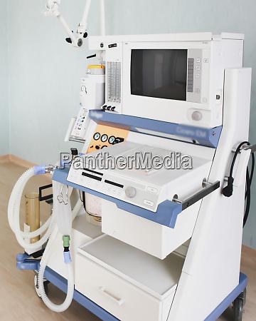 image of medical ventilator hospital respiratory