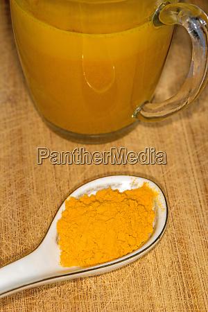turmeric milk and turmeric powder healthy