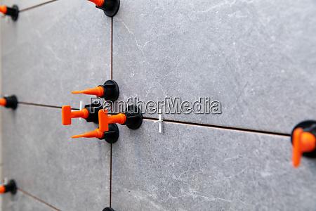 tiling tools spacers between tiles